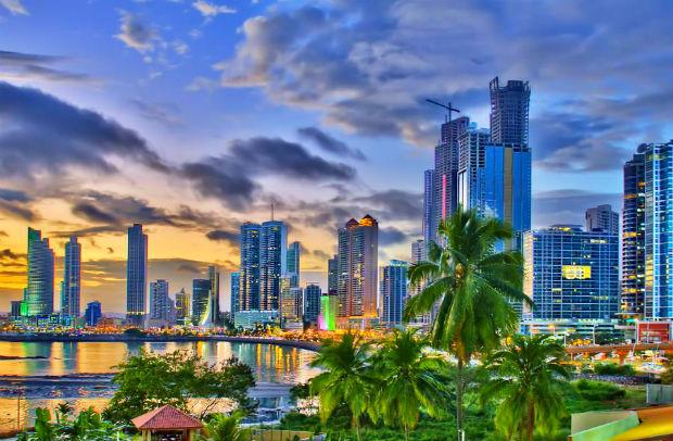 ve-may-bay-di-Panama-5-10-2016