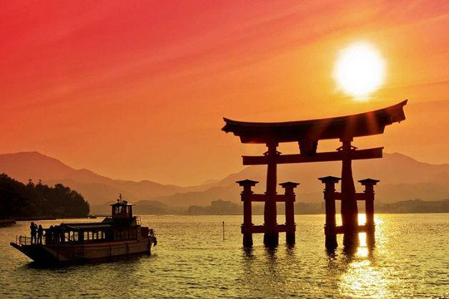 vé máy bay giá rẻ đi Hiroshima