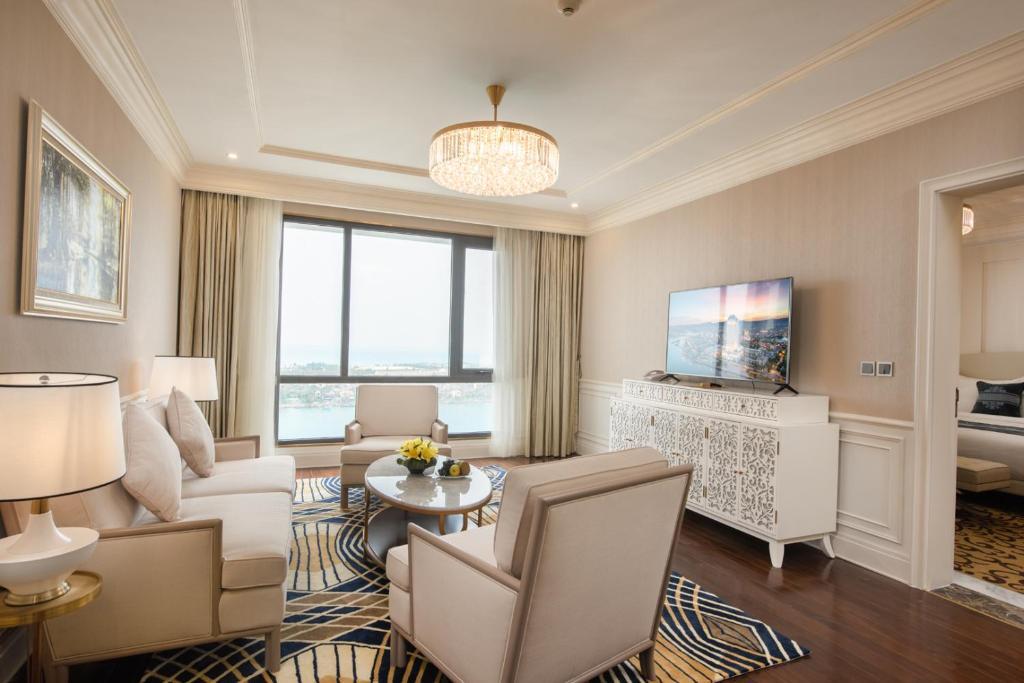 Phòng suite Khách sạn Vinpearl Tây Ninh