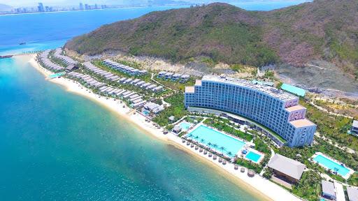 Có bao nhiêu khách sạn ở Vinpearl Nha Trang